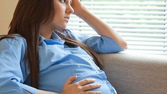 phụ nữ mang thai bị viêm nội mạc tử cung có nên điều trị không